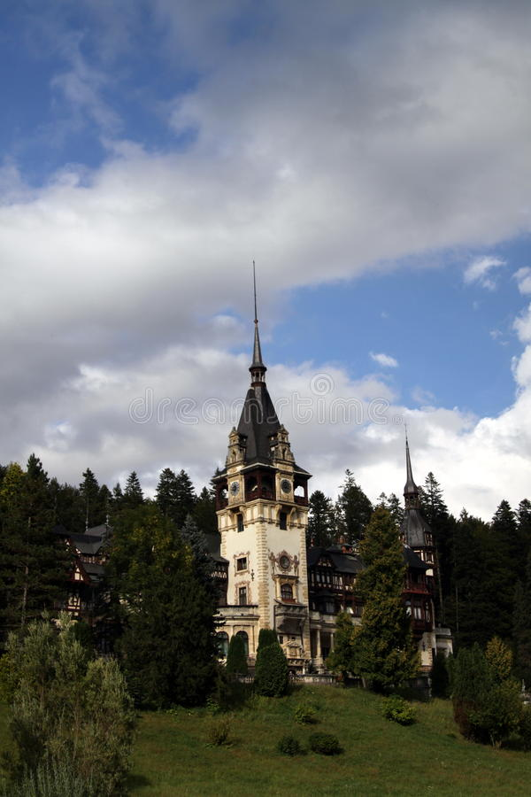Château royal célèbre de Peles - Sinaia - Roumanie photographie stock libre de droits