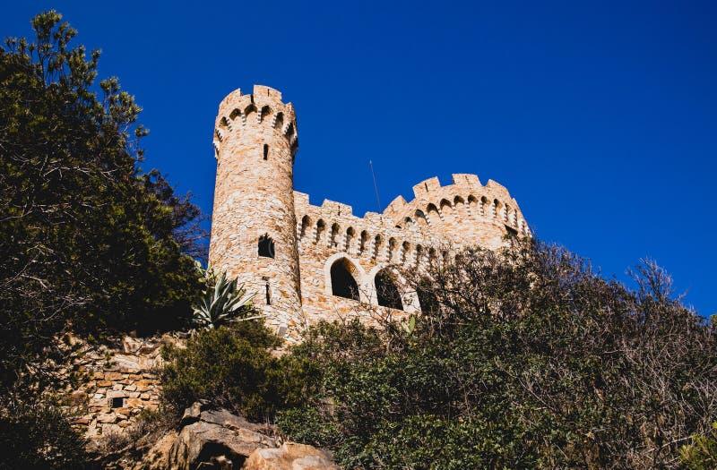 Château sur la falaise photo stock
