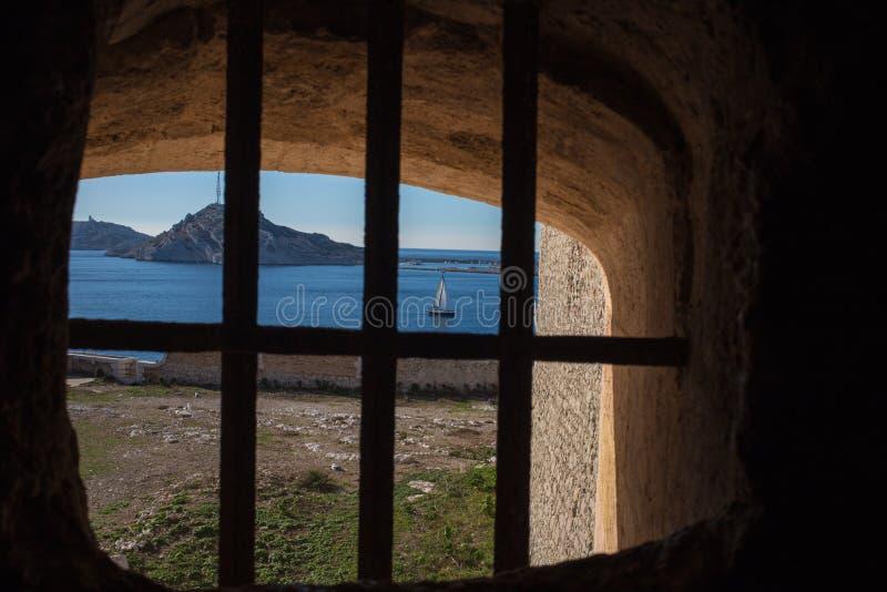 ` Château d если - окно тюрьмы стоковое фото