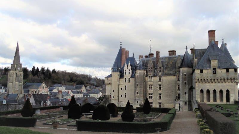 Châteauen de Langeais är en medeltida slott Loire Valley france royaltyfri bild