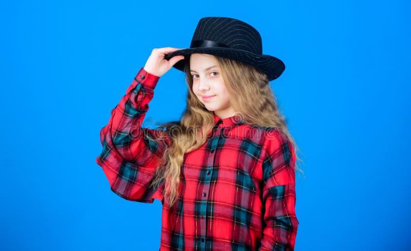 Chłodno cutie modny strój szczęśliwego dzieciństwa Dzieciak mody pojęcie Sprawdza za mój moda stylu Moda trend jak obraz royalty free