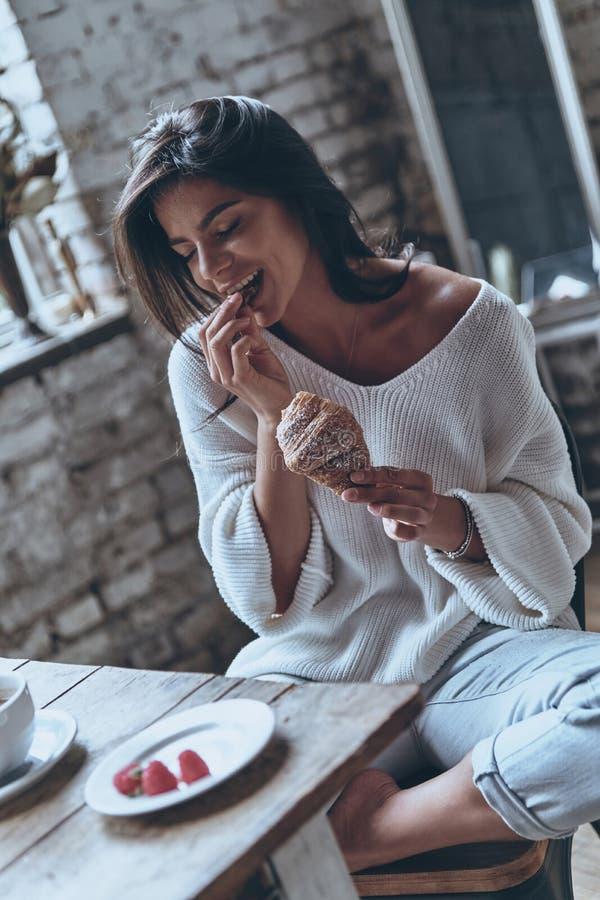 Ché prima colazione saporita! immagine stock libera da diritti