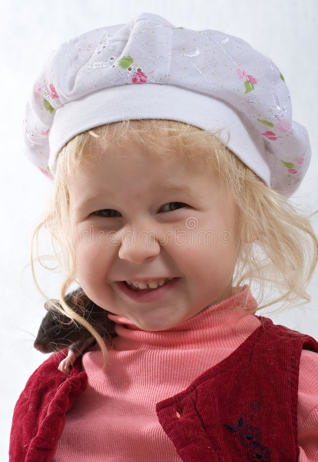 Chéri de sourire avec le rat images stock