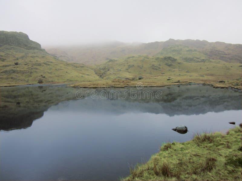 Chłodno Tarn wysoki w Jeziornym okręgu fotografia stock