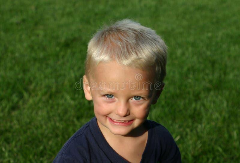 chłopak się uśmiecha obraz stock