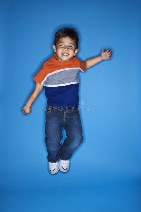 chłopcy dolców jumping zdjęcie stock