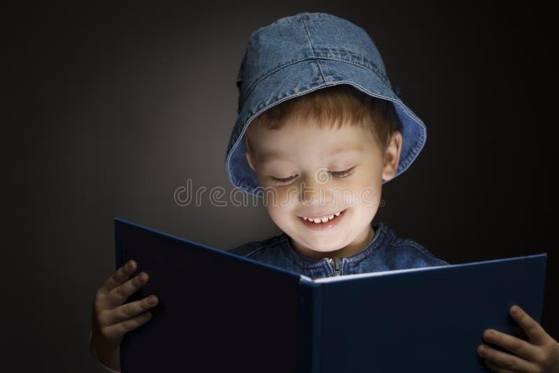 chłopcy odczytana księgowej zdjęcie royalty free