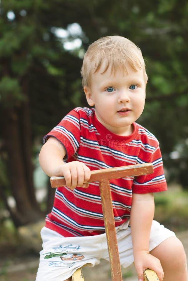 chłopiec boisko zdjęcia royalty free