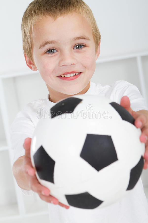 chłopiec cukierki zdjęcia royalty free
