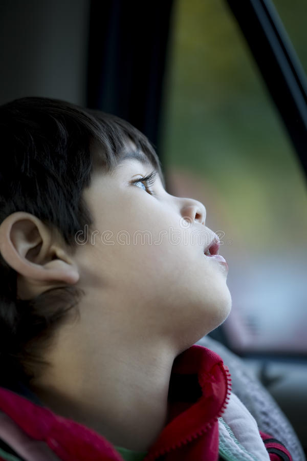 chłopiec cztery target291_0_ stary cicho nadokienny rok zdjęcia stock