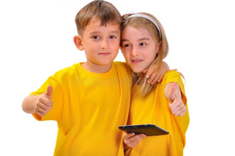 Chłopiec i dziewczyna jak rezerwujemy zdjęcia royalty free