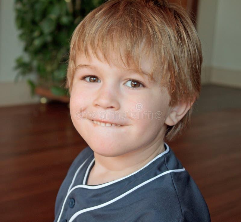 Chłopiec ja target577_0_ zdjęcie royalty free