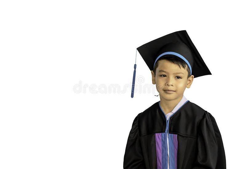 Chłopiec kończąca studia od dziecina Ten nauka jest pierwszy posuwać się naprzód następny poziom na białym tle z ścinek ścieżką zdjęcia royalty free