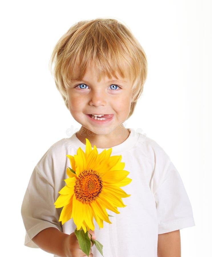 chłopiec mały szczęśliwy odosobniony zdjęcie royalty free