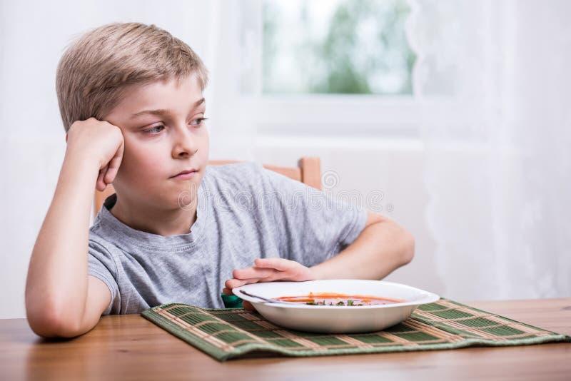 Chłopiec ma żadny apetyt zdjęcia royalty free