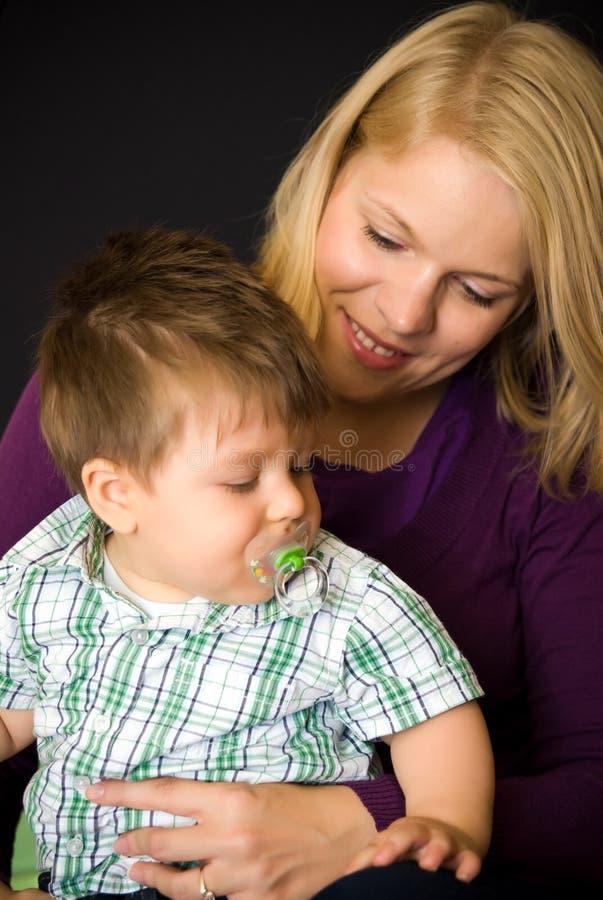 chłopiec matka fotografia stock