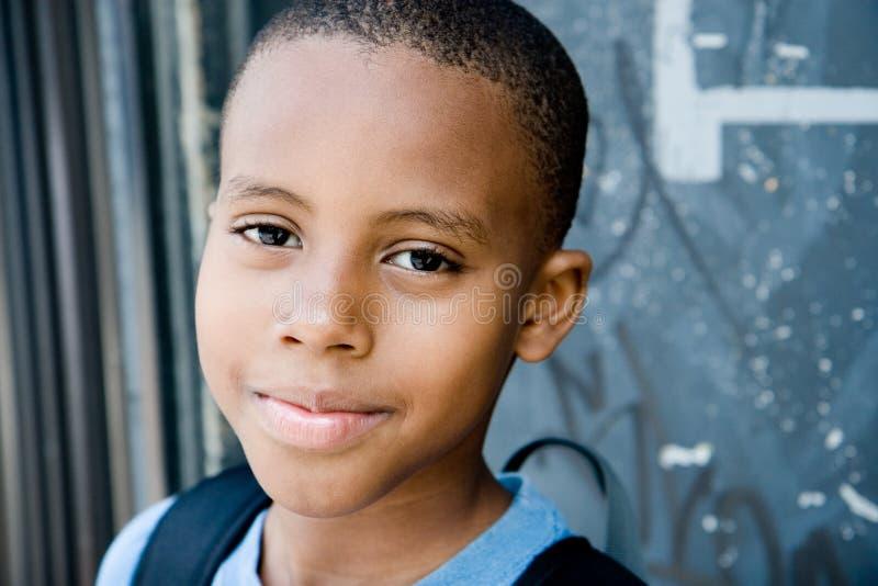 chłopiec miasta uśmiech obraz stock