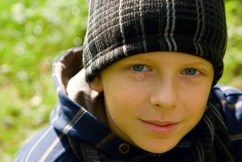 chłopiec nakrętki zbliżenie fotografia royalty free