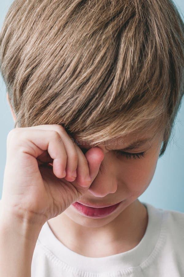 Chłopiec płacze zdjęcia royalty free