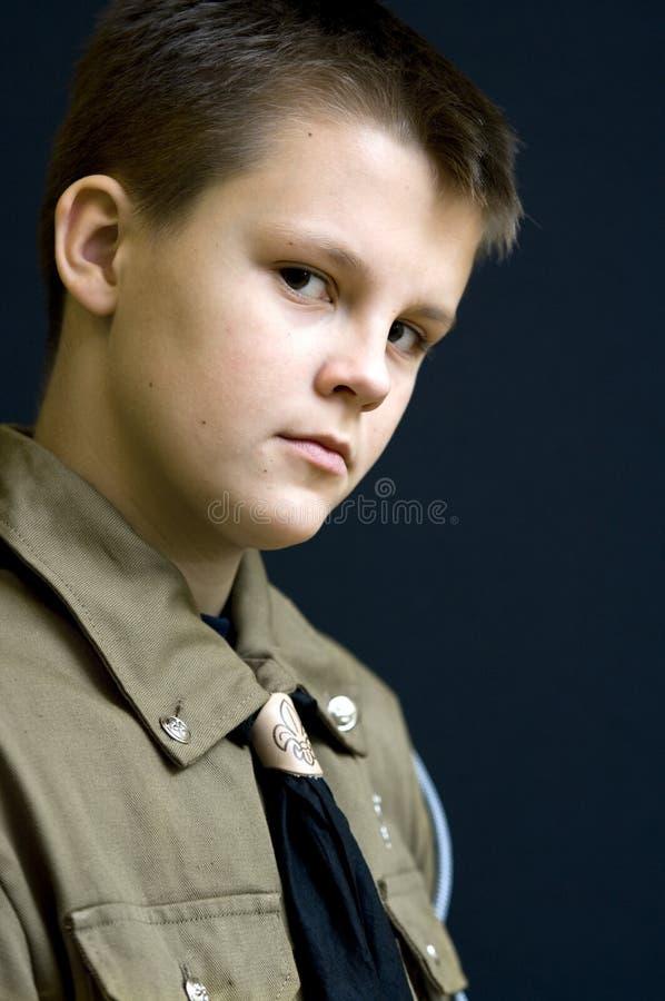 chłopiec portreta harcerz poważny zdjęcia stock