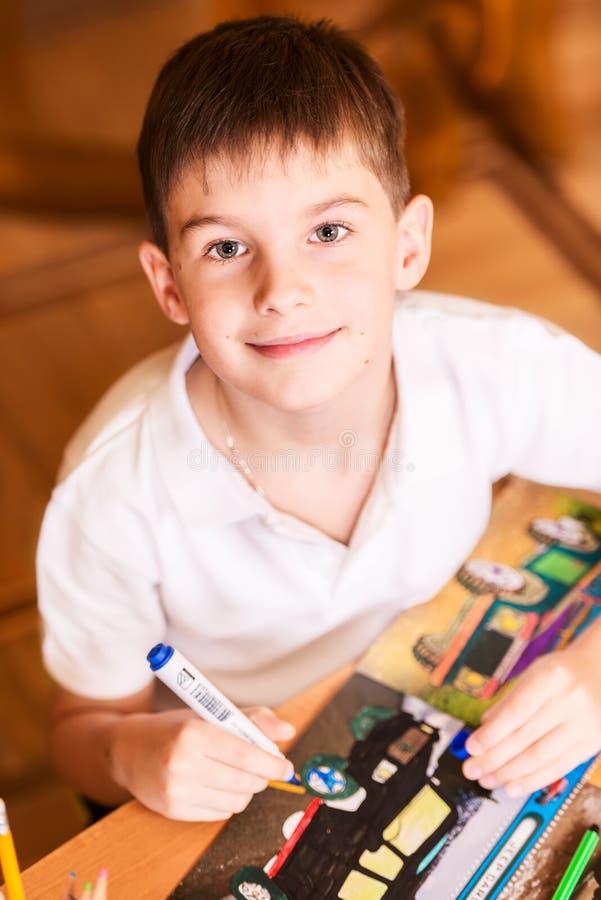 Chłopiec portreta ono uśmiecha się obrazy stock
