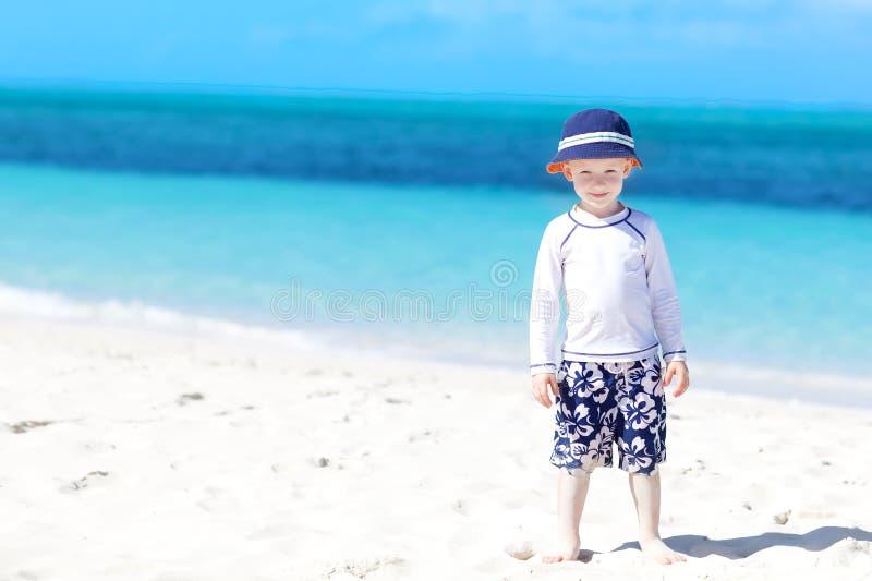Chłopiec przy plażą zdjęcie stock