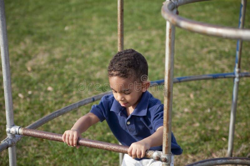 chłopiec rasowy wielo- parkowy zdjęcia royalty free