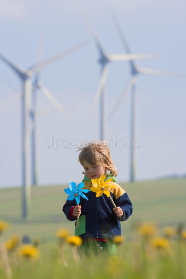 chłopiec rolny pinwheel wiatr obraz stock