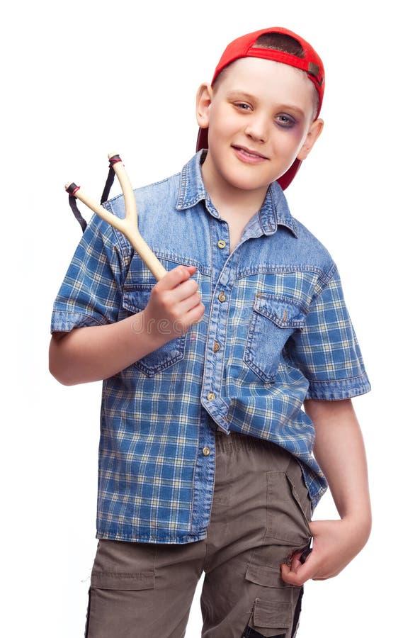 chłopiec slingshot zdjęcia stock