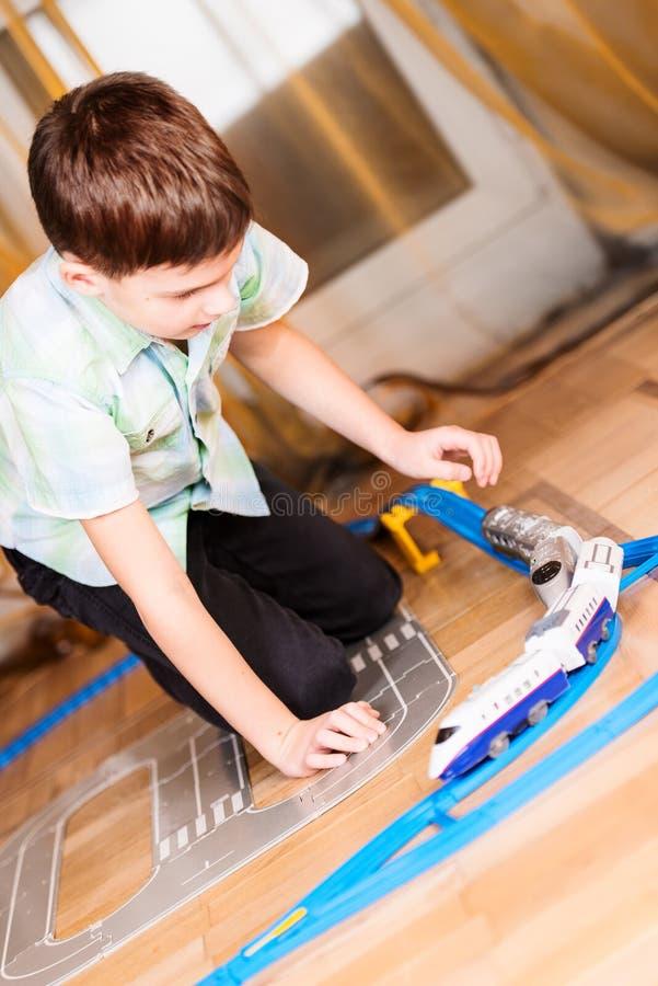 chłopiec sztuka zabawka zdjęcia stock
