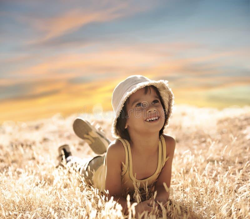 chłopiec target1410_0_ zmielony szczęśliwy fotografia stock