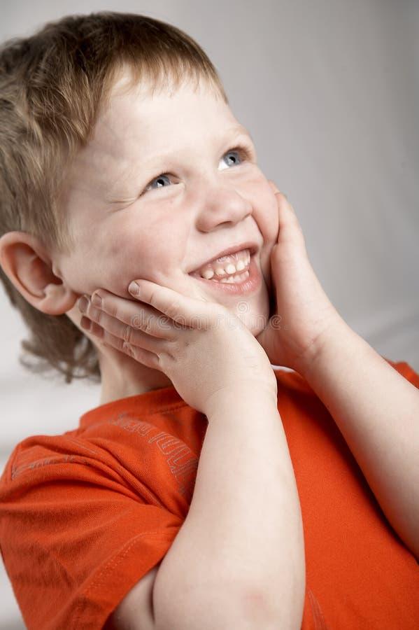 chłopiec target699_0_ zdjęcie royalty free