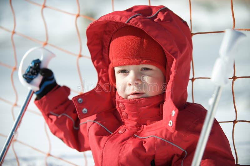 chłopiec trochę przygotowywająca narta zdjęcia stock