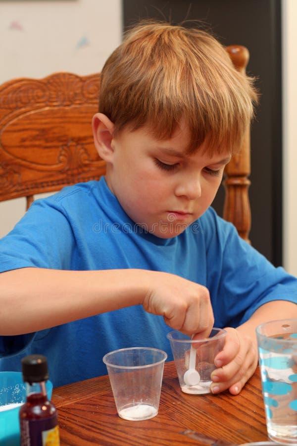 chłopiec uczenie nauka obraz stock
