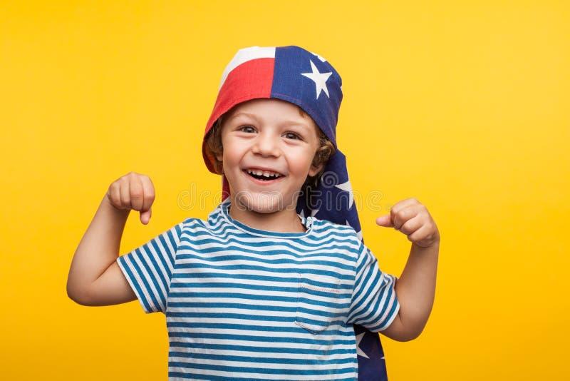 chłopiec urocza amerykańska flaga obrazy stock