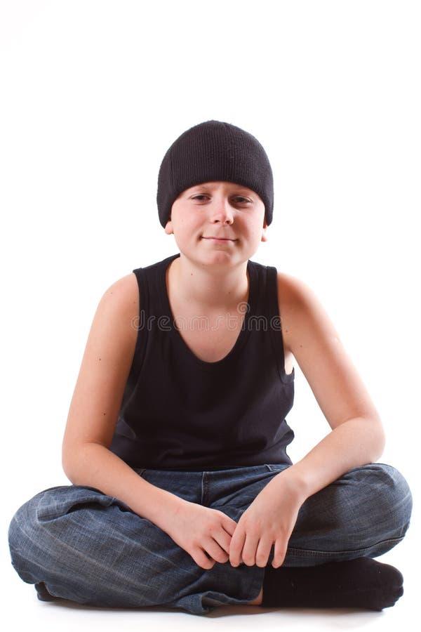 Chłopiec w czarnej koszulce obraz stock