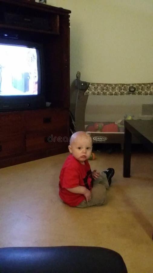 Chłopiec w pokoju obrazy royalty free