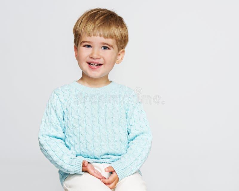 Chłopiec w pracownianym strzale fotografia royalty free
