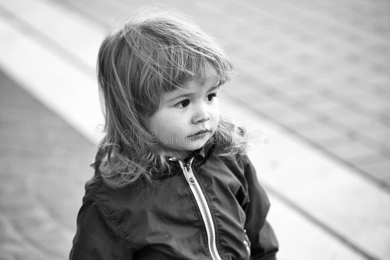 Chłopiec z śliczną twarzą obrazy stock