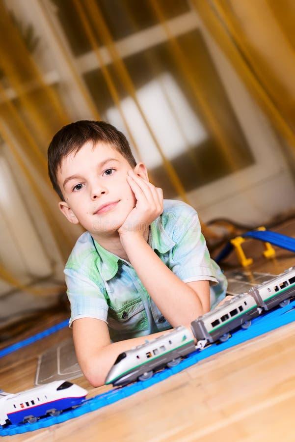 Chłopiec z zabawką zdjęcie stock