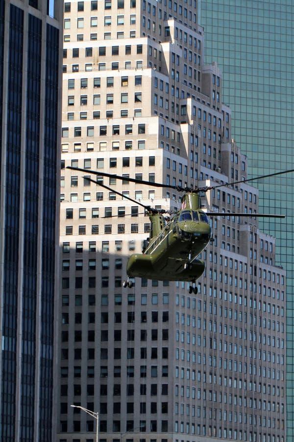 CH-46E que aterra o heliporto de Wall Street fotos de stock