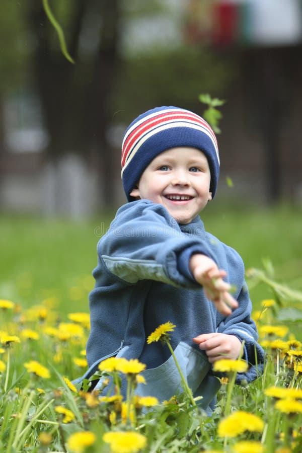 Download Chłopak gra obraz stock. Obraz złożonej z chłopiec, dzieci - 125945