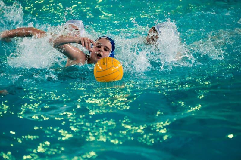 Download Chłopiec Sztuka W Wodnym Polo Zdjęcie Editorial - Obraz złożonej z aktywny, chłopiec: 53786041