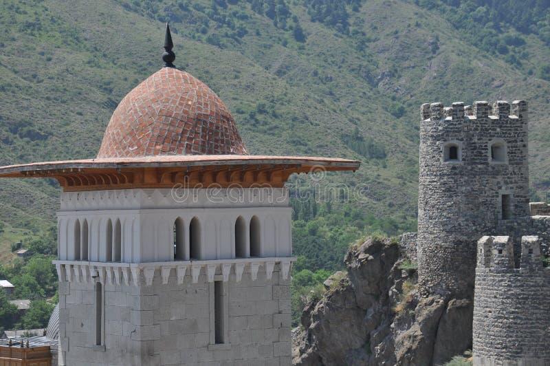 Ch?teau de Rabati en G?orgie endroit historique Un château sur la colline avec le kró?ganki et les tours photos stock