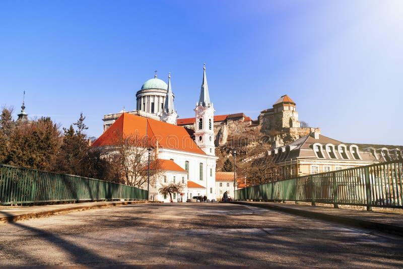 Ch?teau en Hongrie Cath?drale ? l'ouest La plus grande ?glise en Hongrie Vue d'une basilique d'Esztergom, cath?drale ? l'ouest de image libre de droits