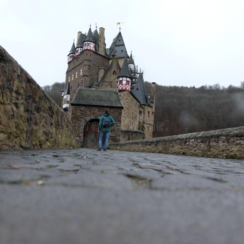 Ch?teau m?di?val fantasmagorique d'Eltz de Burg images libres de droits