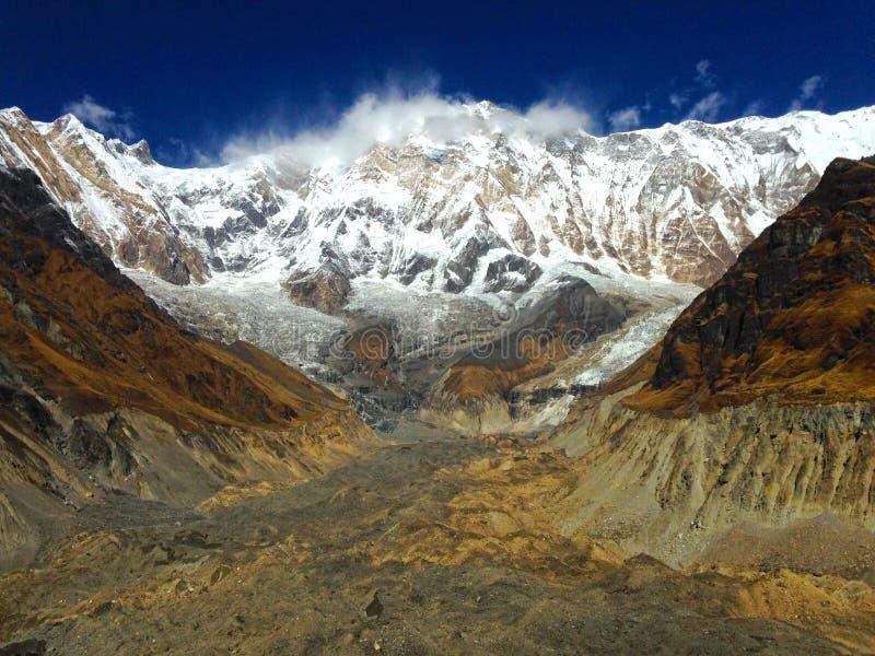 Chaîne Annapurna de sommet et de montagne photos libres de droits
