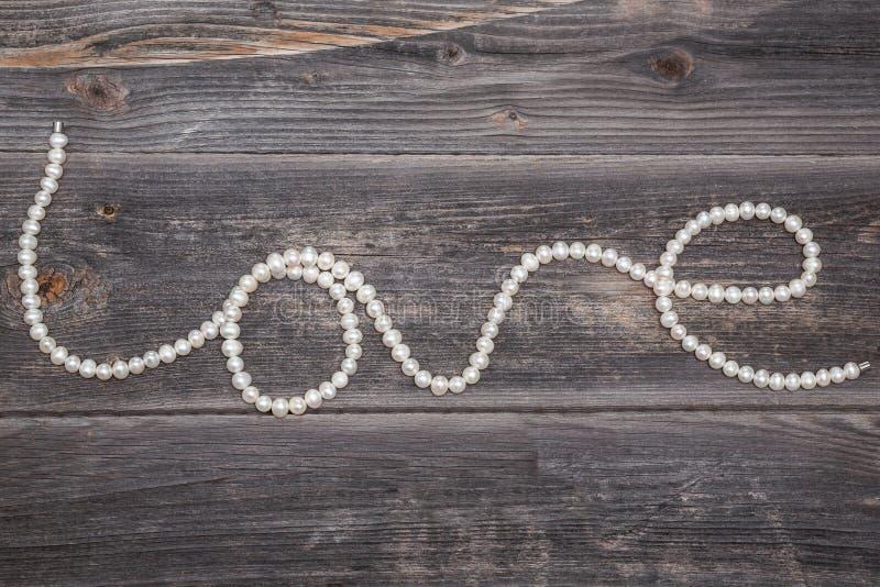 Chaîne de caractères des perles photographie stock
