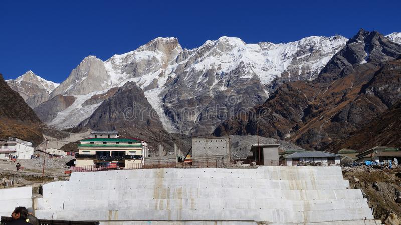Chaîne de l'Himalaya dans la vallée de Kedarnath photographie stock