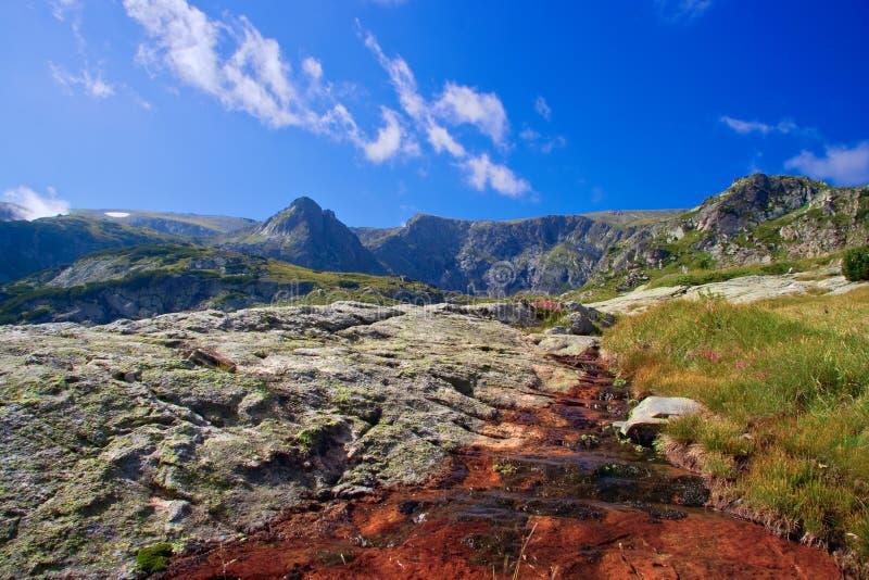 Chaîne de montagne à la montagne de Rila image libre de droits